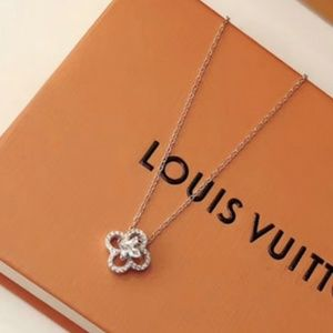 LV necklaces with box